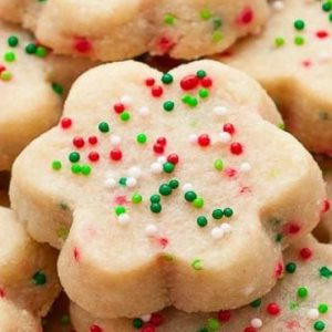 others-very-nice-frosted-christmas-wreath-cookies-with-stars-shaped-cookies-plus-rainbow-candy-and-chips-frosted-christmas-wreath-cookies-300x300